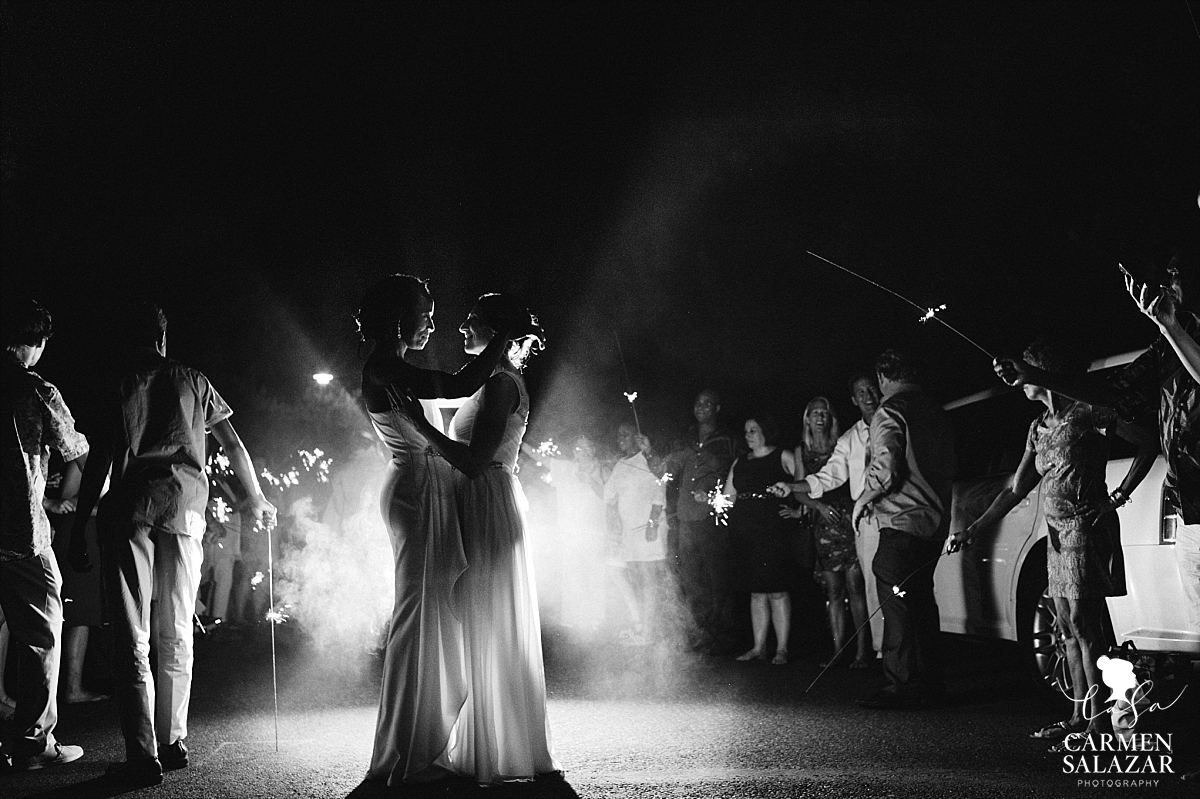 Dramatic sparkler exit wedding photography - Carmen Salazar
