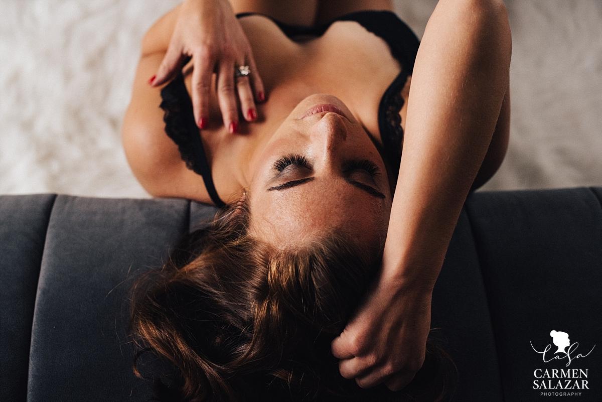 Sassy and sexy boudoir photography - Carmen Salazar